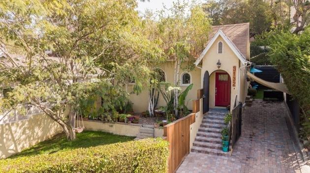 10000000, Hollywood Hills, CA, 90068 - Photo 1