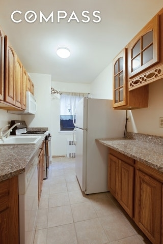 2214, Queens, NY, 11375 - Photo 2