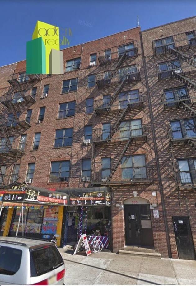 376, Bronx, NY, 10455 - Photo 1