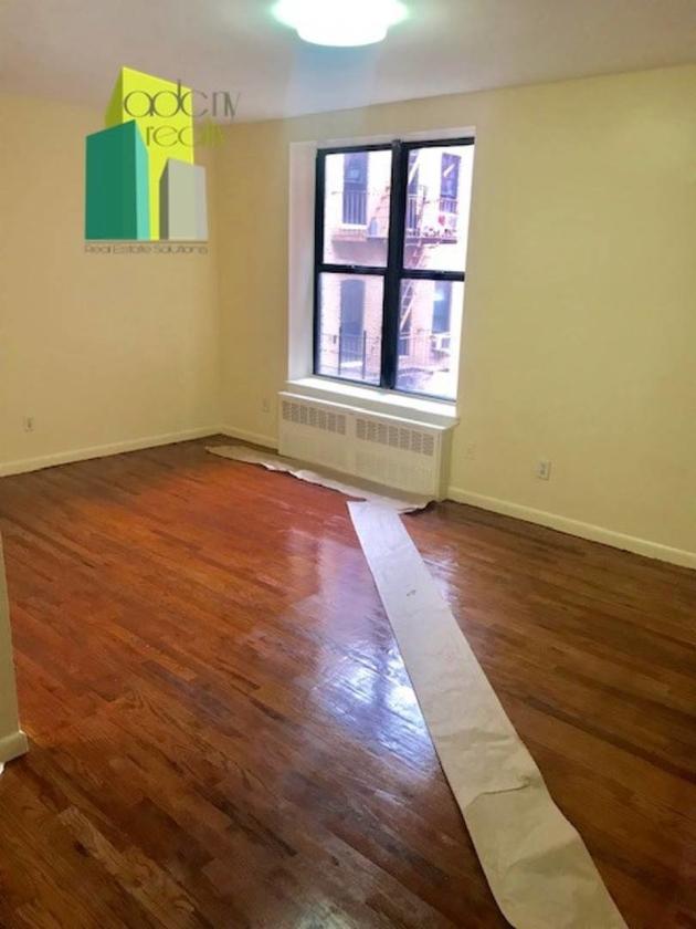 376, Bronx, NY, 10455 - Photo 2