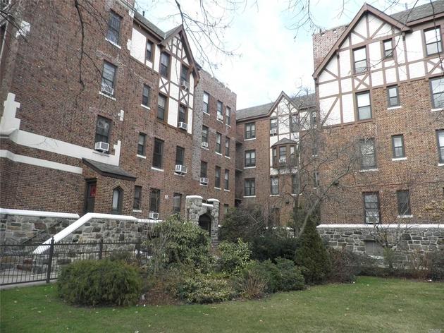 10000000, Beechhurst, NY, 11357 - Photo 1