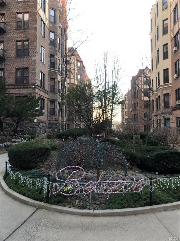 10000000, Bronx, NY, 10462-2712 - Photo 1