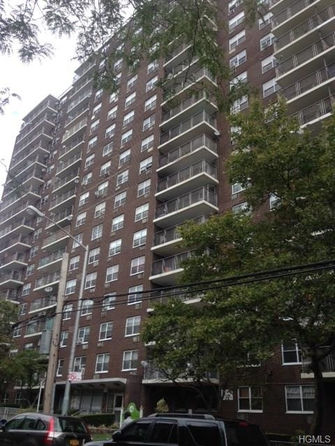 10000000, Bronx, NY, 10467 - Photo 1