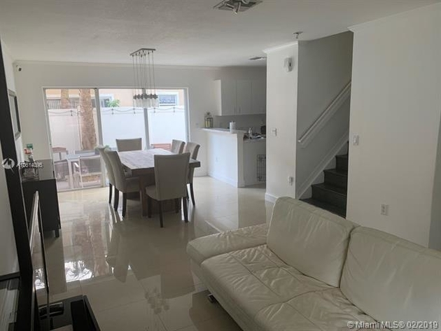 1432, Pembroke Pines, FL, 33028 - Photo 2