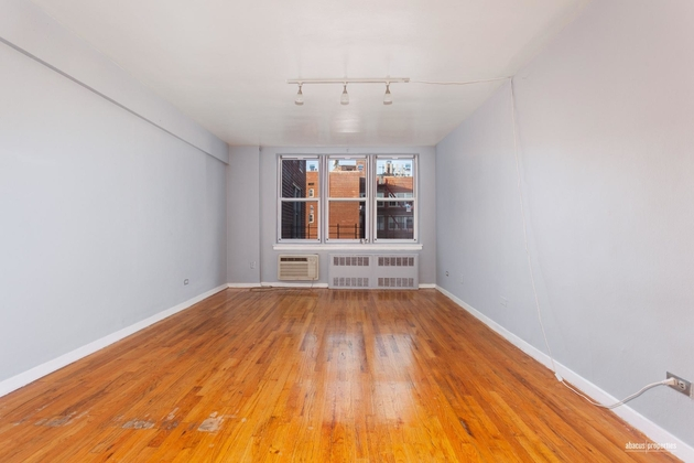 1390, Brooklyn, NY, 11218 - Photo 2