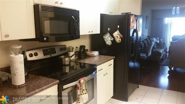 837, Pembroke Pines, FL, 33027 - Photo 2