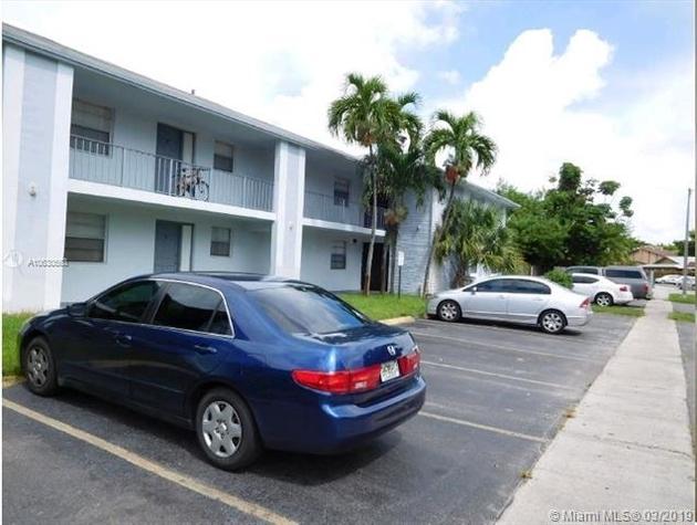 10000000, Lauderhill, FL, 33313 - Photo 1