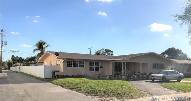 2158, North Miami, FL, 33161 - Photo 2