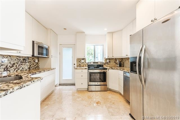 2352, Miami Beach, FL, 33139 - Photo 2