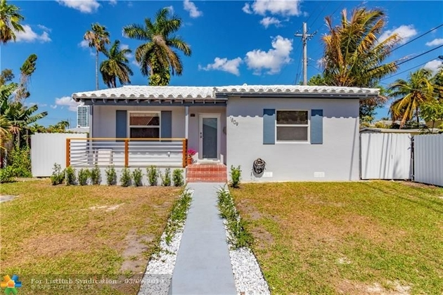 1610, Miami, FL, 33125 - Photo 1