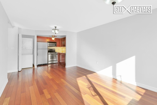 3136, Queens, NY, 11101 - Photo 2