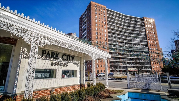10000000, Rego Park, NY, 11374 - Photo 1