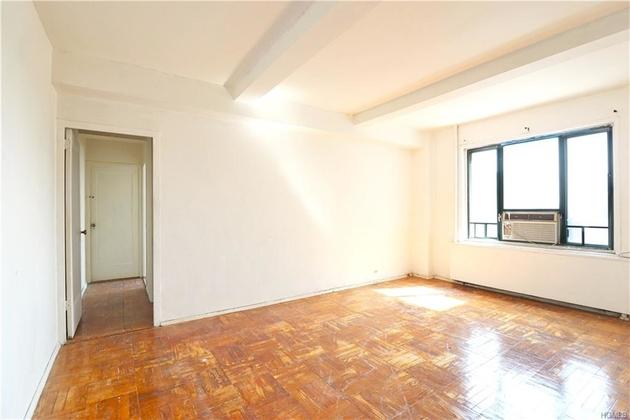 1352, Bronx, NY, 10462-6240 - Photo 1
