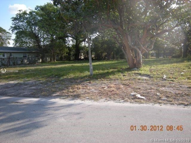 10000000, Fort Lauderdale, FL, 33311 - Photo 2