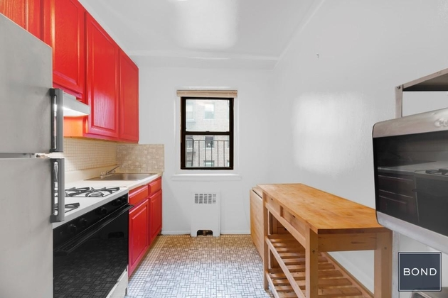 2961, Astoria, NY, 11106 - Photo 2