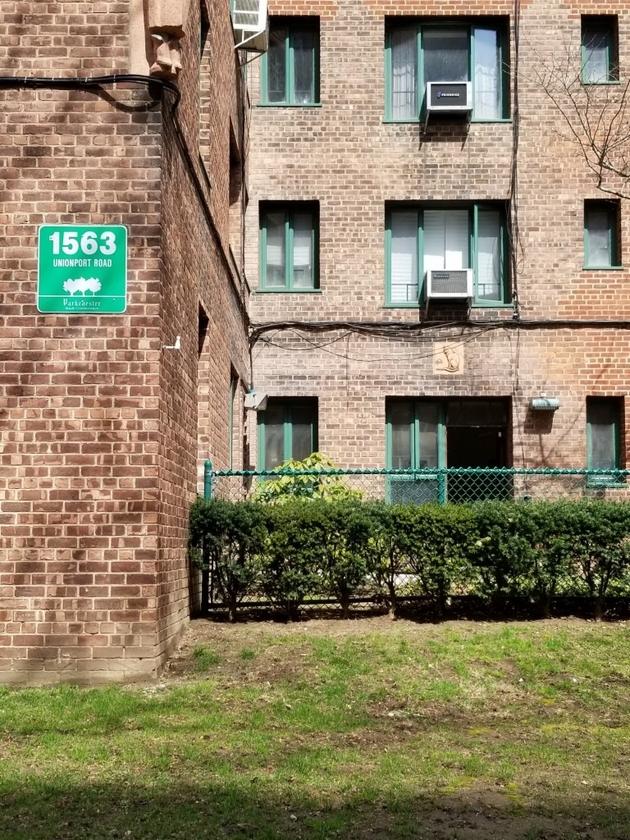 1116, Bronx, NY, 10462-5945 - Photo 1