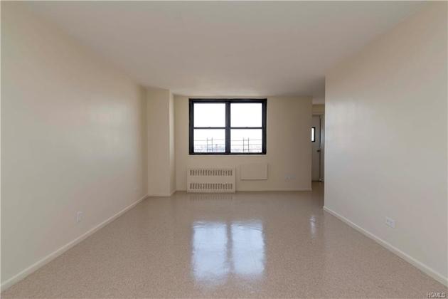 10000000, Bronx, NY, 10473 - Photo 1