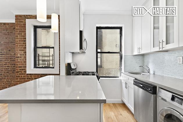 2921, Queens, NY, 11105 - Photo 2