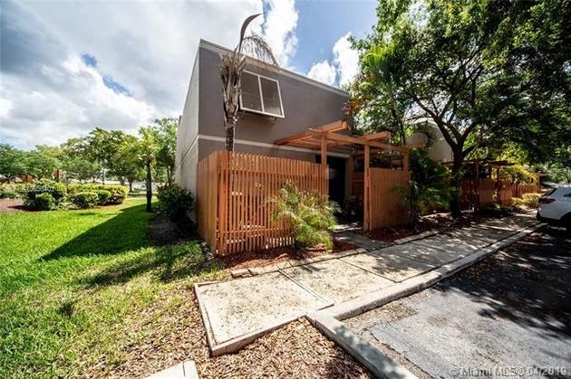 1310, Pembroke Pines, FL, 33026 - Photo 2
