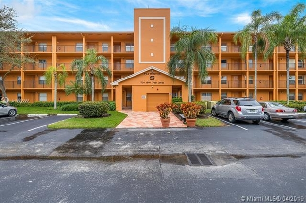 924, Pembroke Pines, FL, 33027 - Photo 1