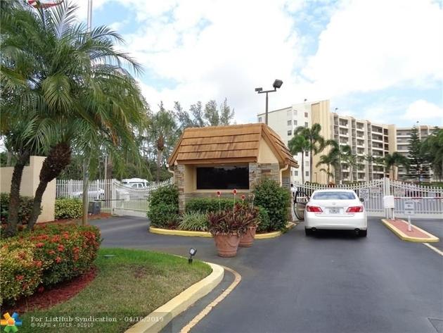 574, Lauderhill, FL, 33319 - Photo 2