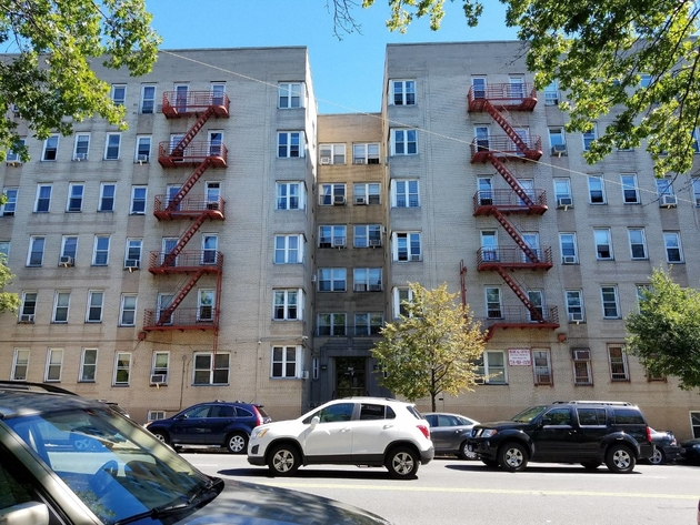 915, Bronx, NY, 10462 - Photo 1