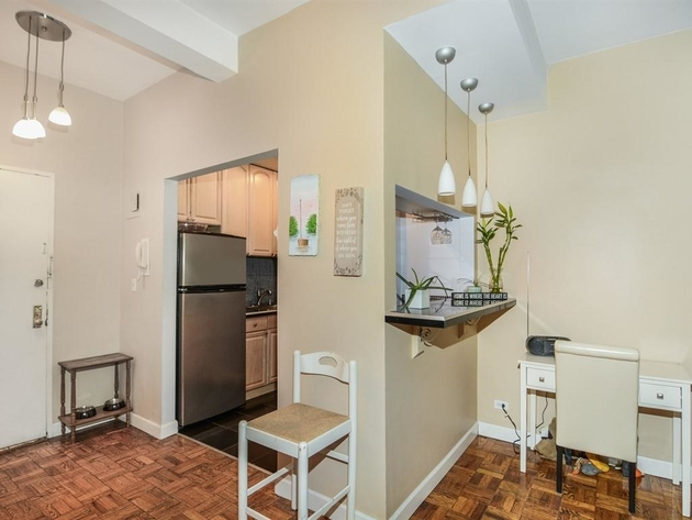 1087, Bronx, NY, 10468 - Photo 2