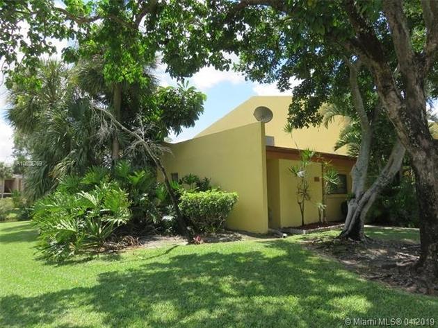 916, Pembroke Pines, FL, 33024 - Photo 2