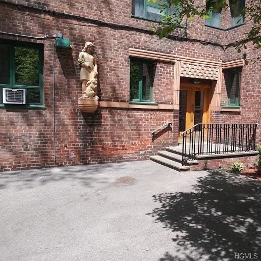 1351, Bronx, NY, 10462-5648 - Photo 2