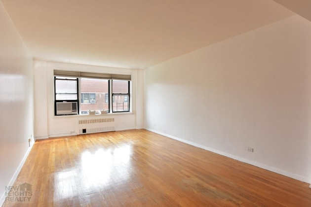 1741, Bronx, NY, 10463 - Photo 2
