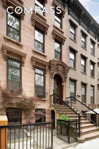 5883, Brooklyn, NY, 11217 - Photo 1