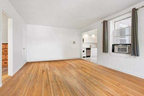 1284, Queens, NY, 11377 - Photo 2