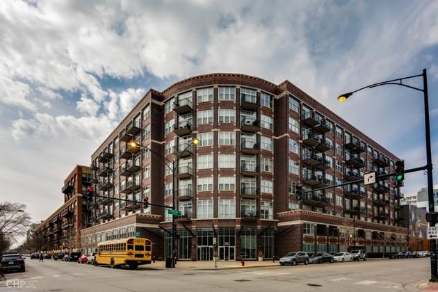 10000000, Chicago, IL, 60607 - Photo 1