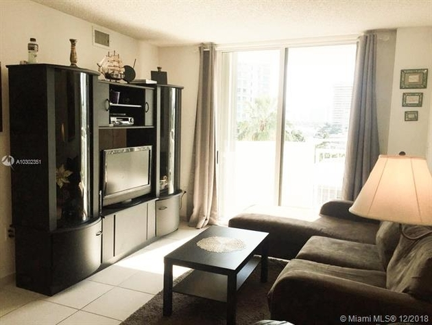 2563, Miami Beach, FL, 33139 - Photo 2