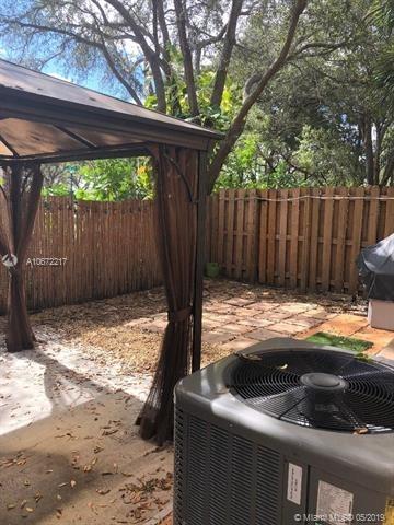 1699, Pembroke Pines, FL, 33028 - Photo 2