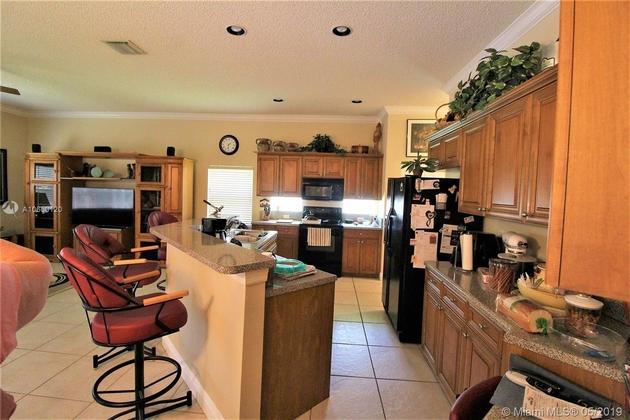 2372, Pembroke Pines, FL, 33028 - Photo 2