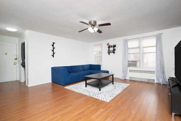 2091, Queens, NY, 11375 - Photo 2