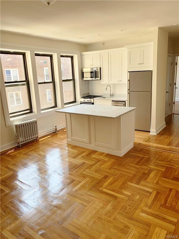 10000000, Bronx, NY, 10462 - Photo 2