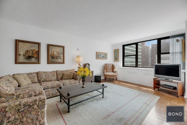 5735, NEW YORK, NY, 10022 - Photo 2