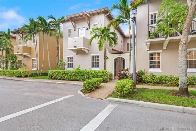 2206, Pembroke Pines, FL, 33027 - Photo 2