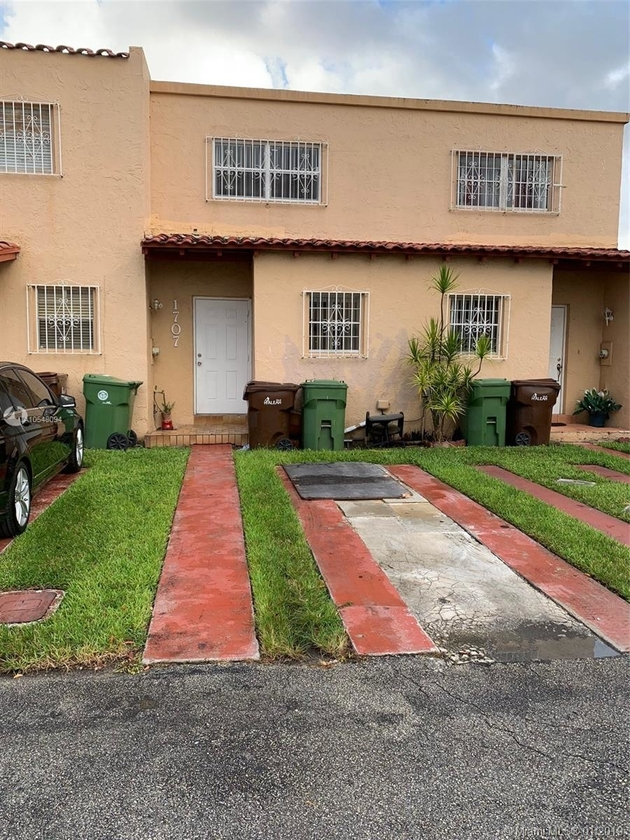 1035, Hialeah, FL, 33012 - Photo 1
