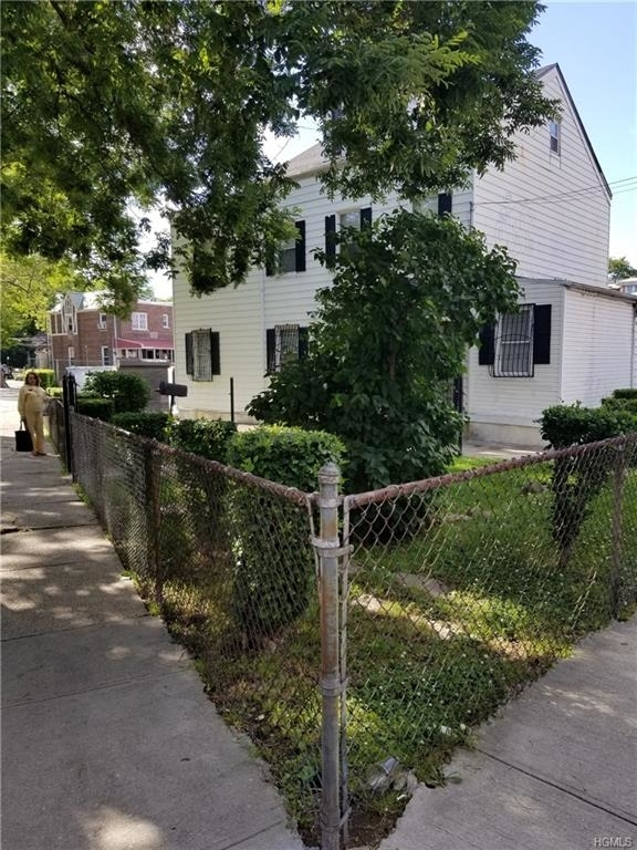 14618, Bronx, NY, 10467-8426 - Photo 2