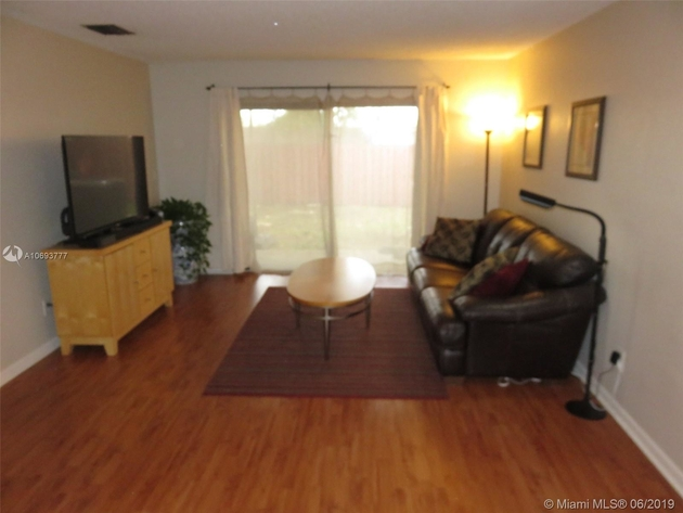 1220, Pembroke Pines, FL, 33026 - Photo 2