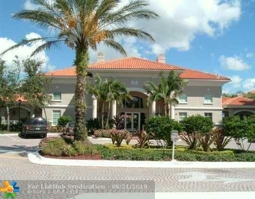 982, Pembroke Pines, FL, 33025 - Photo 1