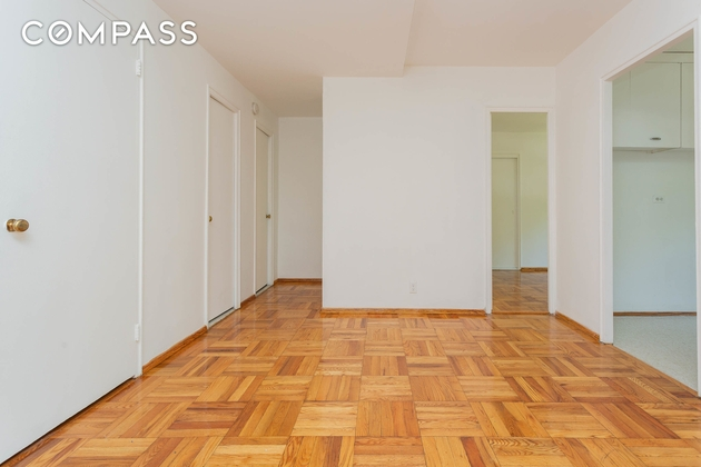 3205, Queens, NY, 11106 - Photo 2