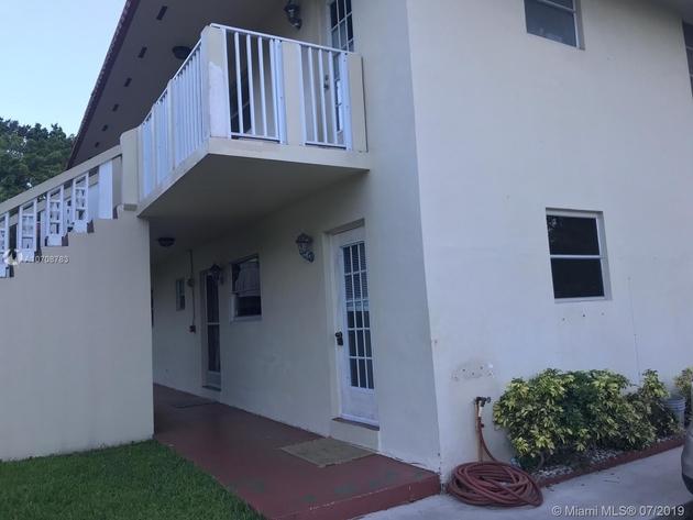 800, Pembroke Pines, FL, 33027 - Photo 1