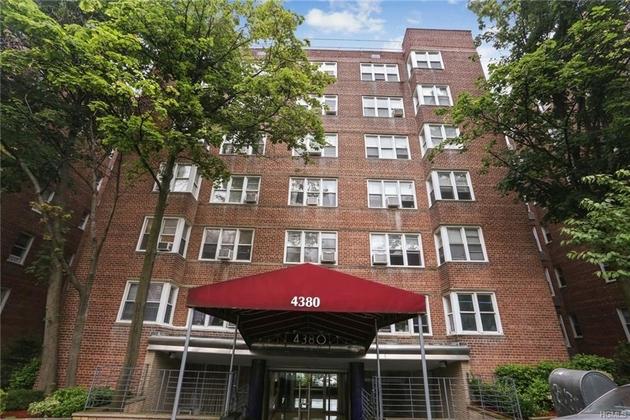 10000000, Bronx, NY, 10470-2317 - Photo 1