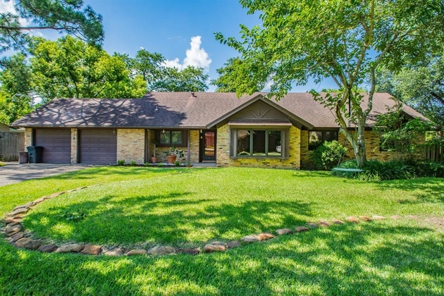 1118, Shoreacres, TX, 77571 - Photo 1