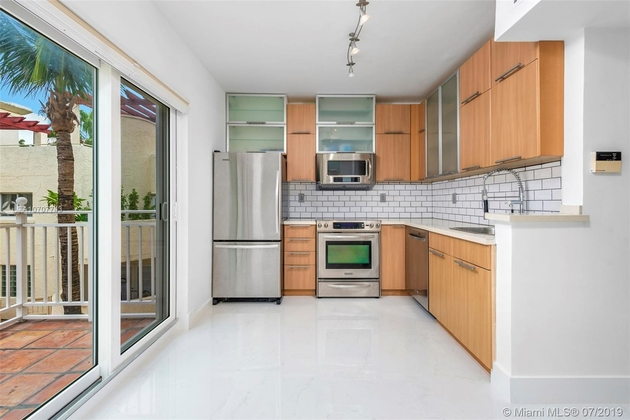 2667, Miami Beach, FL, 33139 - Photo 2