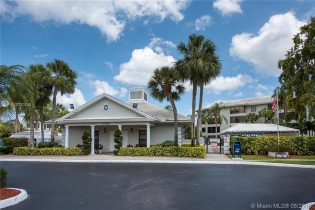 956, Davie, FL, 33324 - Photo 2